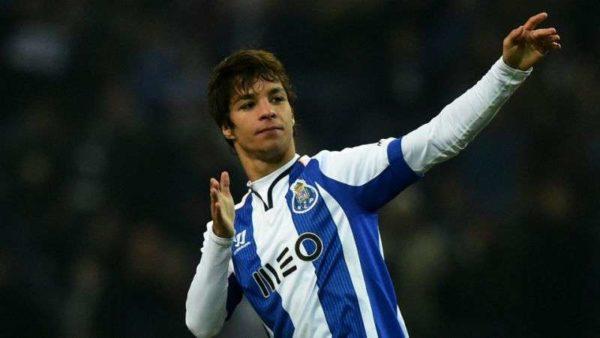 Oliver Torres en route pour le FC Seville