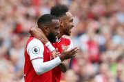 Arsenal veut prolonger sa doublette offensive