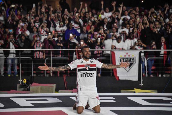 Daniel Alves réalise son rêve à Sao Paulo