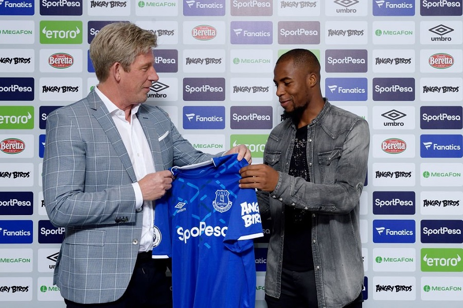 Officiel : Djibril Sidibé prêté à Everton
