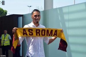 Officiel : Chris Smalling débarque à la Roma