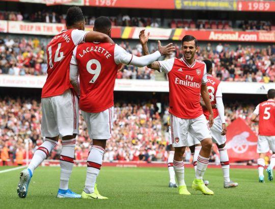 Arsenal : Dani Ceballos s'agenouille devant Lacazette et Aubameyang