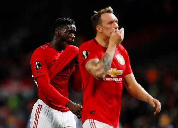 Manchester United : Phil Jones à la relance chez les Magpies ?