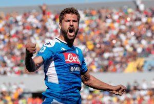 Naples bloque Fernando Llorente