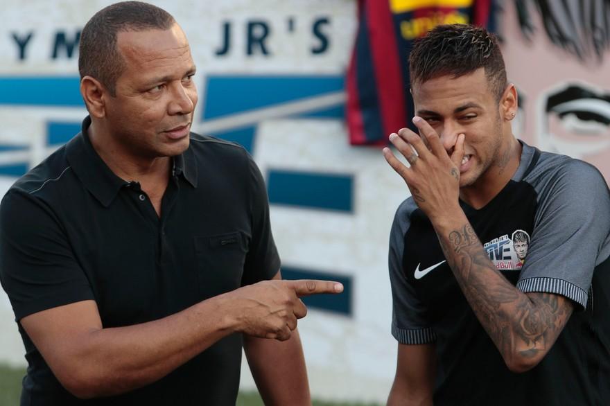 PSG-Barça : le père de Neymar dévoile les dessous du départ avorté de son fils