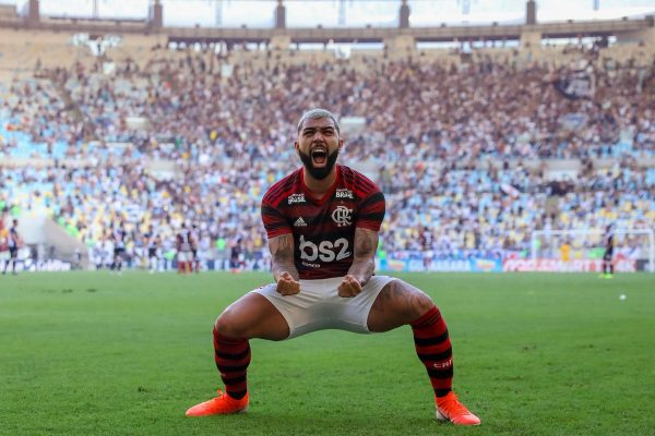 Crystal Palace vise Gabriel Barbosa