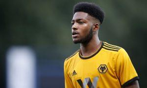 Leicester City et Crystal Palace ciblent un jeune défenseur anglais