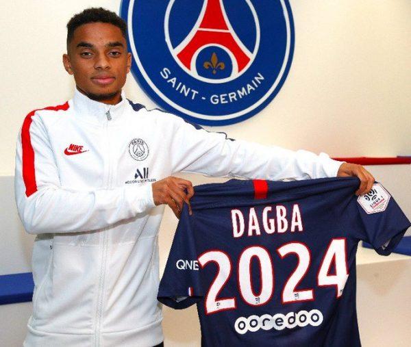 Officiel : Colin Dagba prolonge au PSG