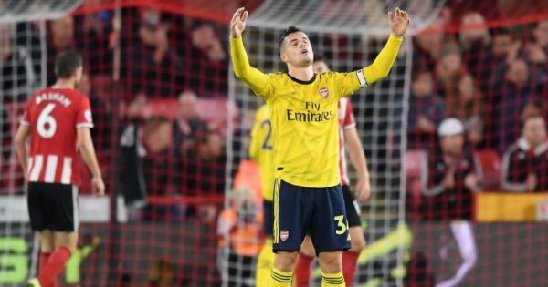 Arsenal : Patrice Evra se moque des Baby Gunners, Granit Xhaka lui répond
