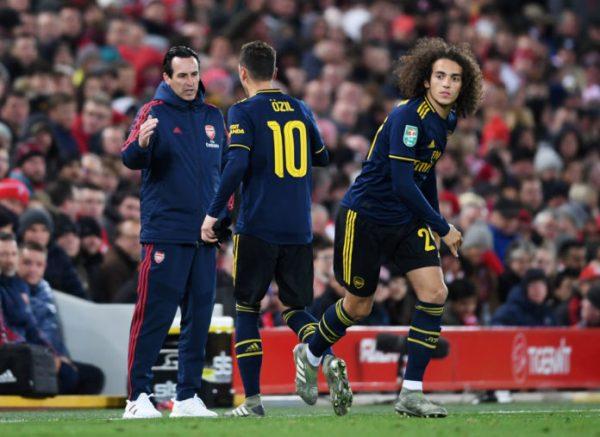 Arsenal : Mesut Ozil a-t-il enfin convaincu Unai Emery ?