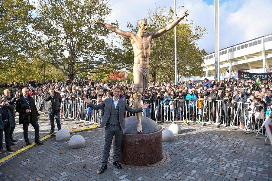 Zlatan Ibrahimovic a sa statue en Suède