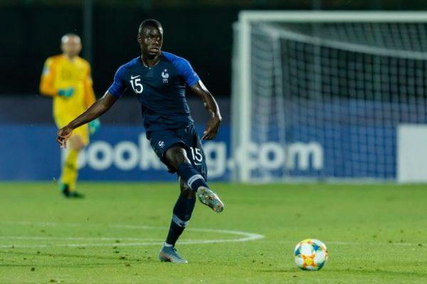 Manchester United va mettre 60M€ sur un défenseur français