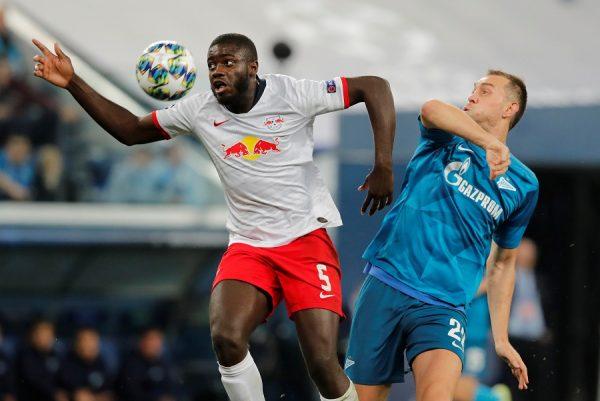 RB Leipzig : Dayot Upamecano intéresse les deux clubs de Manchester