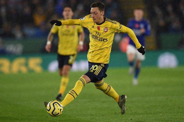 Arsenal a repoussé une offre pour Mesut Ozil