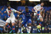 Chelsea : Michy Batshuayi dans le viseur des Eagles