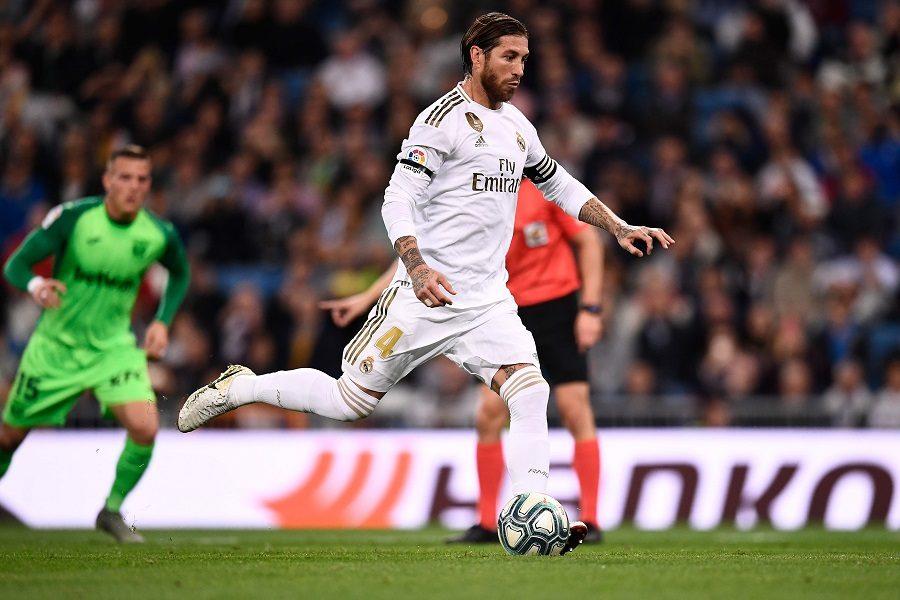 Manchester United : une offre en vue pour Sergio Ramos ?