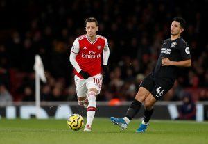 Arsenal : Mesut Ozil négocier avec un club  pour la saison 2021/22