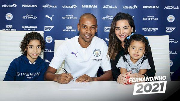 Officiel : Fernandinho prolonge d'un an à Manchester City