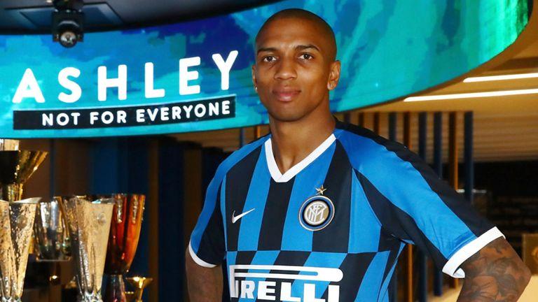Officiel : Ashley Young débarque à l'Inter Milan