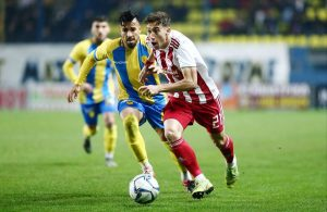 Liverpool : un international grec pour renforcer la défense ?