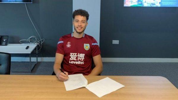 Officiel : Burnley prolonge un jeune joueur