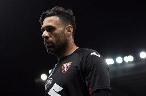Le Milan AC se penche sur Salvatore Sirigu