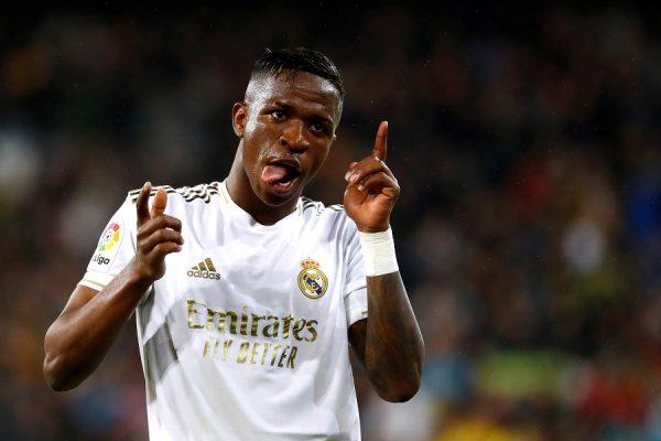 Real Madrid : un cador anglais piste Vinicius Jr