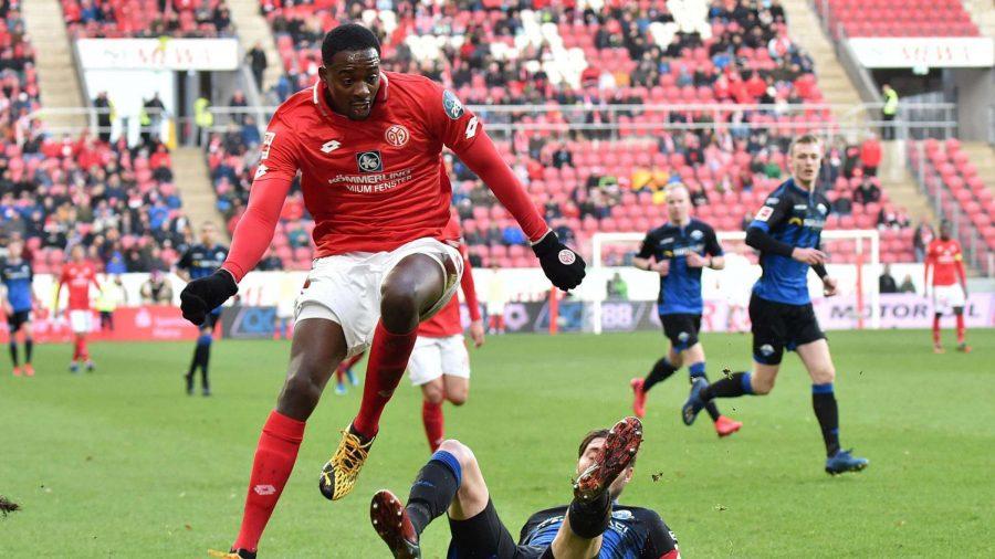 OL : le remplaçant de Moussa Dembélé serait un ancien du club