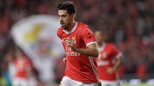 Manchester United vise un international portugais
