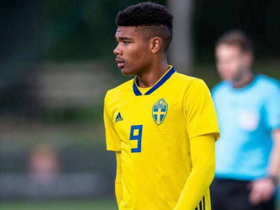 Arsenal et le Bayern Munich se disputent un jeune Suédois