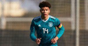 Officiel : Nnamdi Collins signe son premier contrat pro avec Dortmund