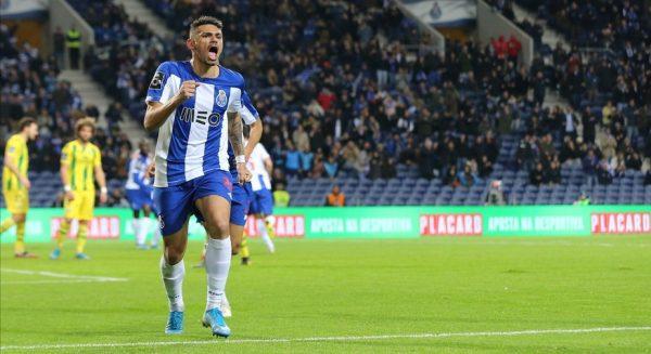 Le FC Porto discute avec Tiquinho Soares