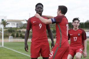 Le PSG et Monaco visent un jeune talent portugais