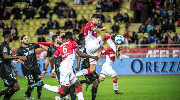 AS Monaco : un défenseur n'écarte pas un départ